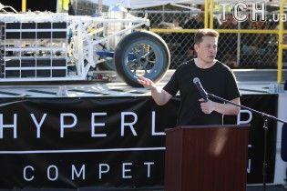 Илон Маск рассказал о дате запуска первого тоннеля Hyperloop