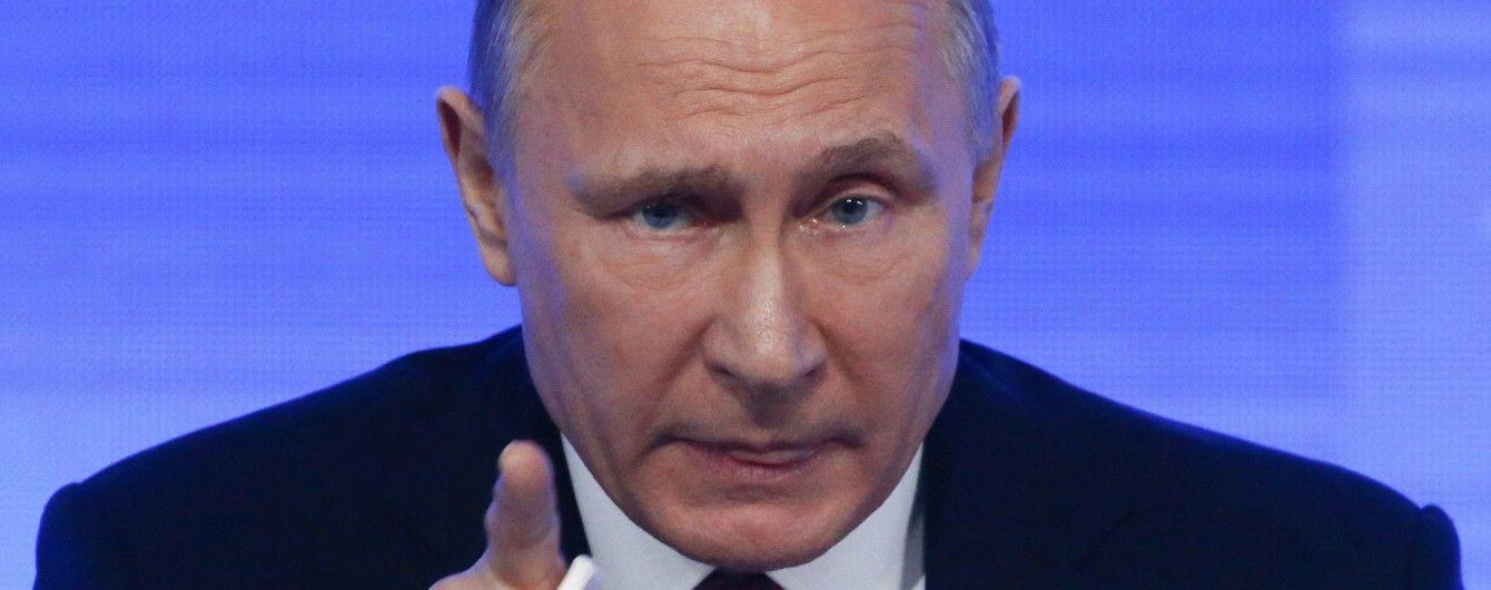 Санкції боляче вдарять по Путіну. Сенатор США пообіцяв покарати РФ за втручання у вибори