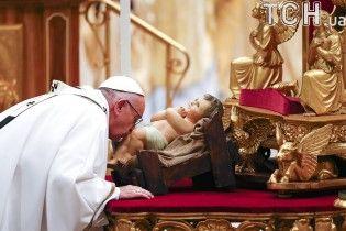 Тисячі вірян зібралися на різдвяну месу у Ватикані
