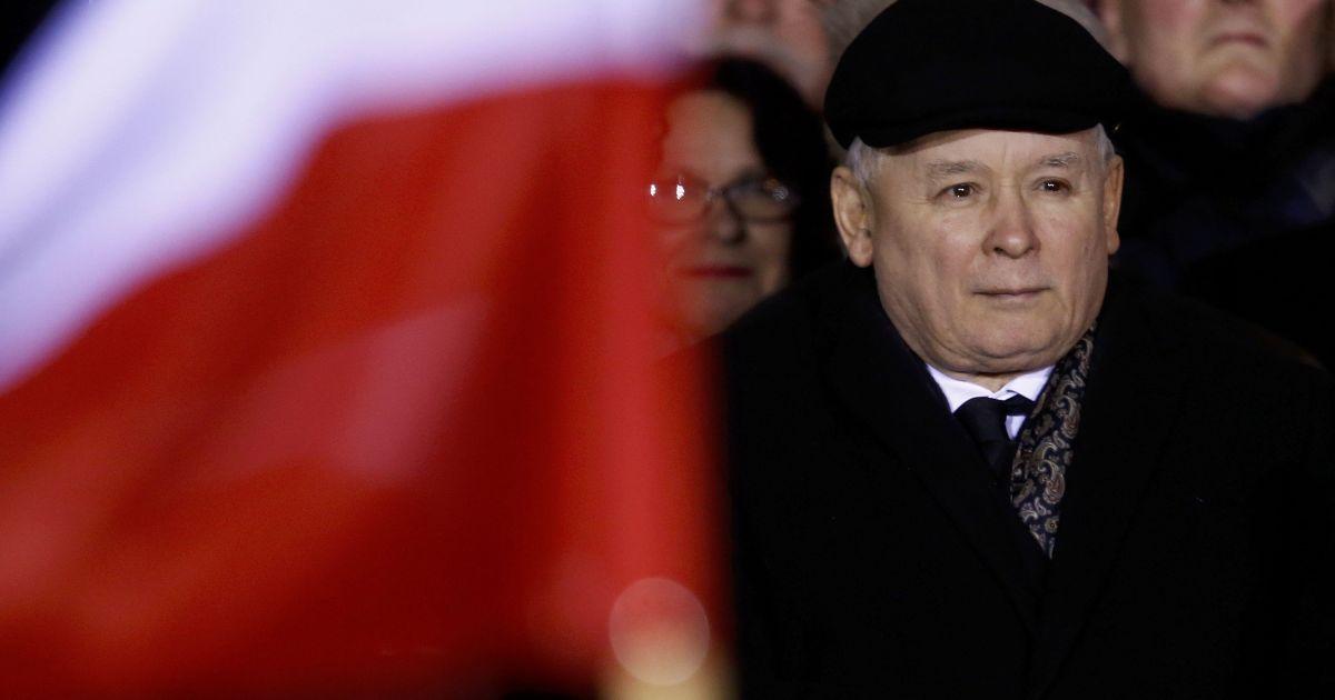 Правляча партія на чолі з Ярославом Качинським провела свій мітинг @ Reuters