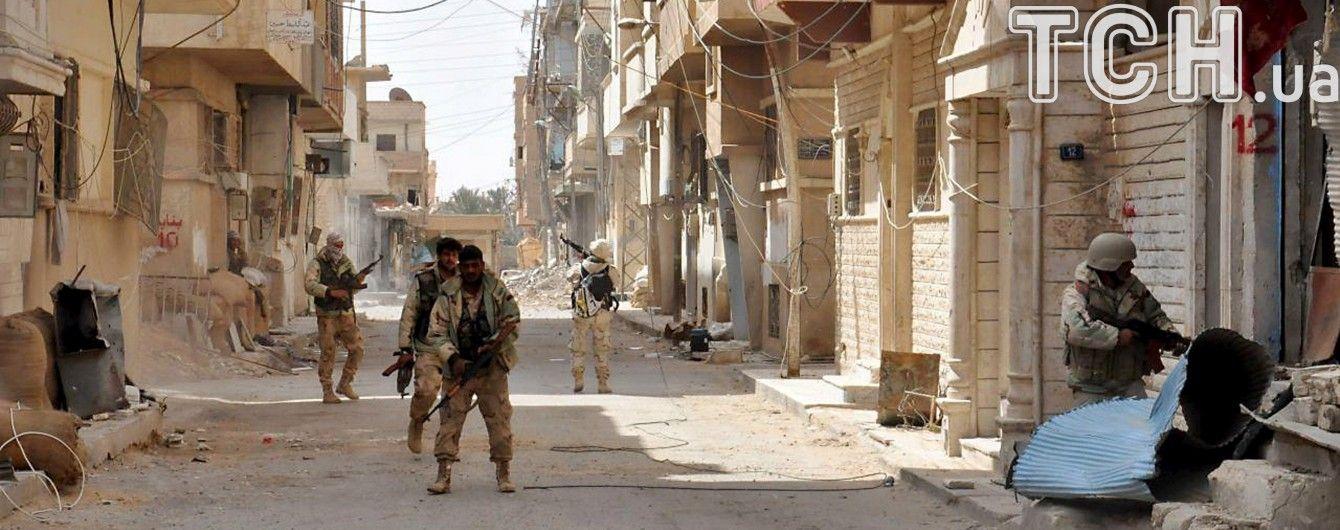 Бойовиків ІД вибили із сирійської Пальміри десятками авіаударів