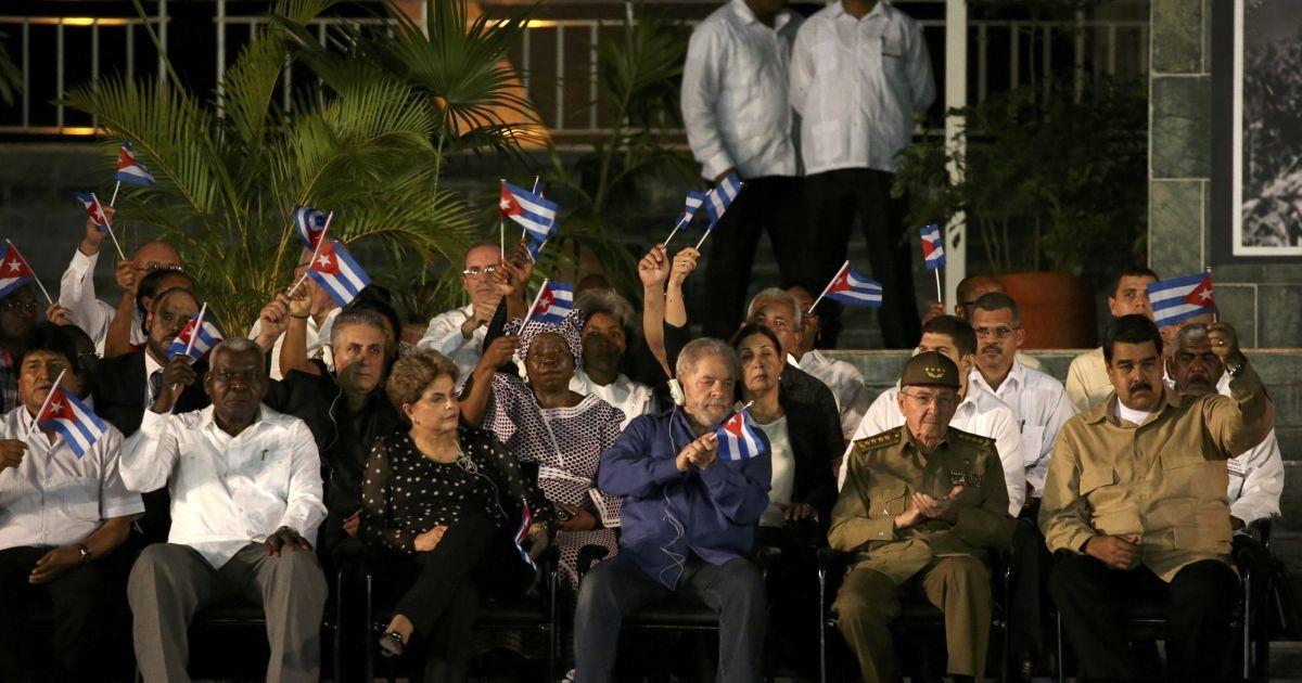 Ділма Русеф, Луїс Ігнасіо Лула да Сілва, Рауль Кастро й Ніколас Мадуро @ Reuters