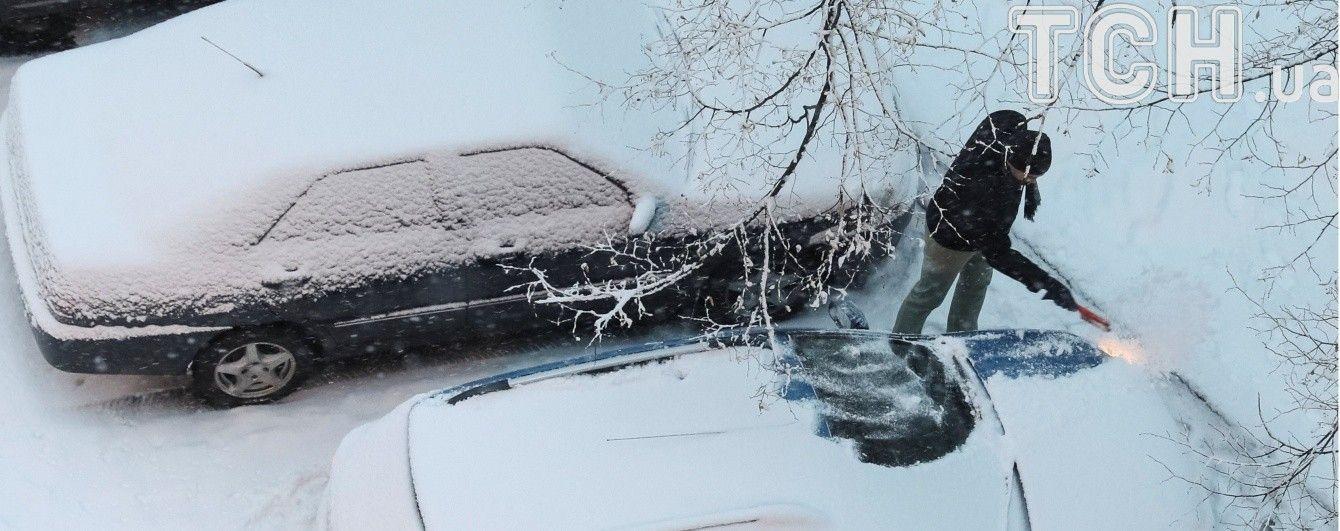 На Волині через надзвичайний снігопад вантажівкам заборонили їздити без ланцюгів на колесах