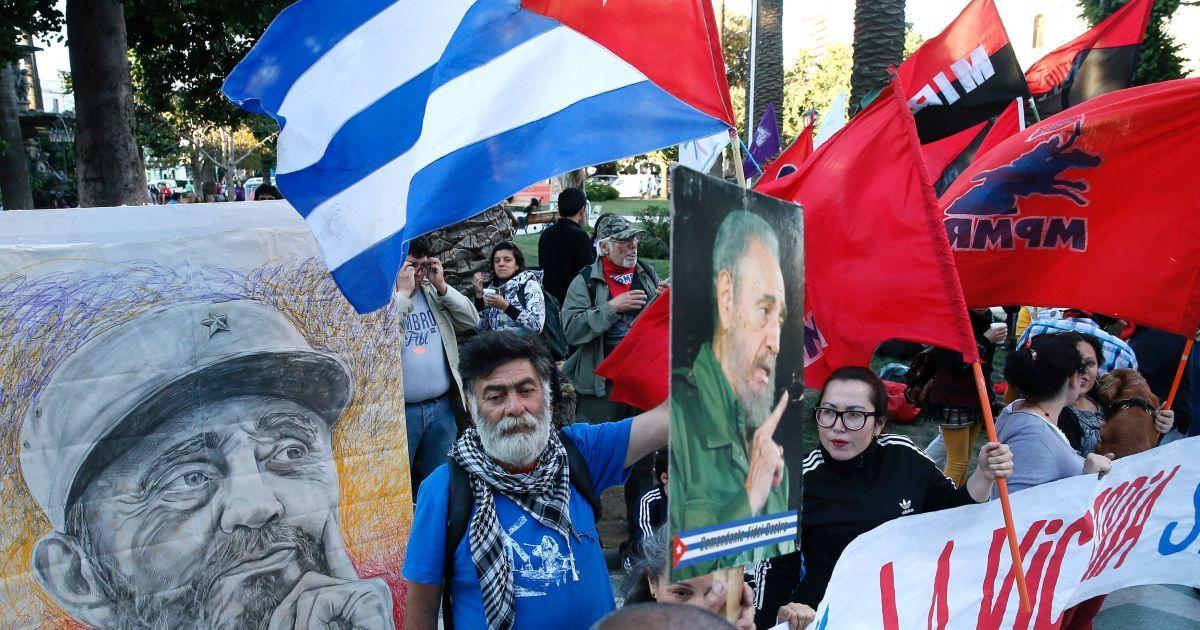 На улицы Чили вышли демонстранты @ Reuters
