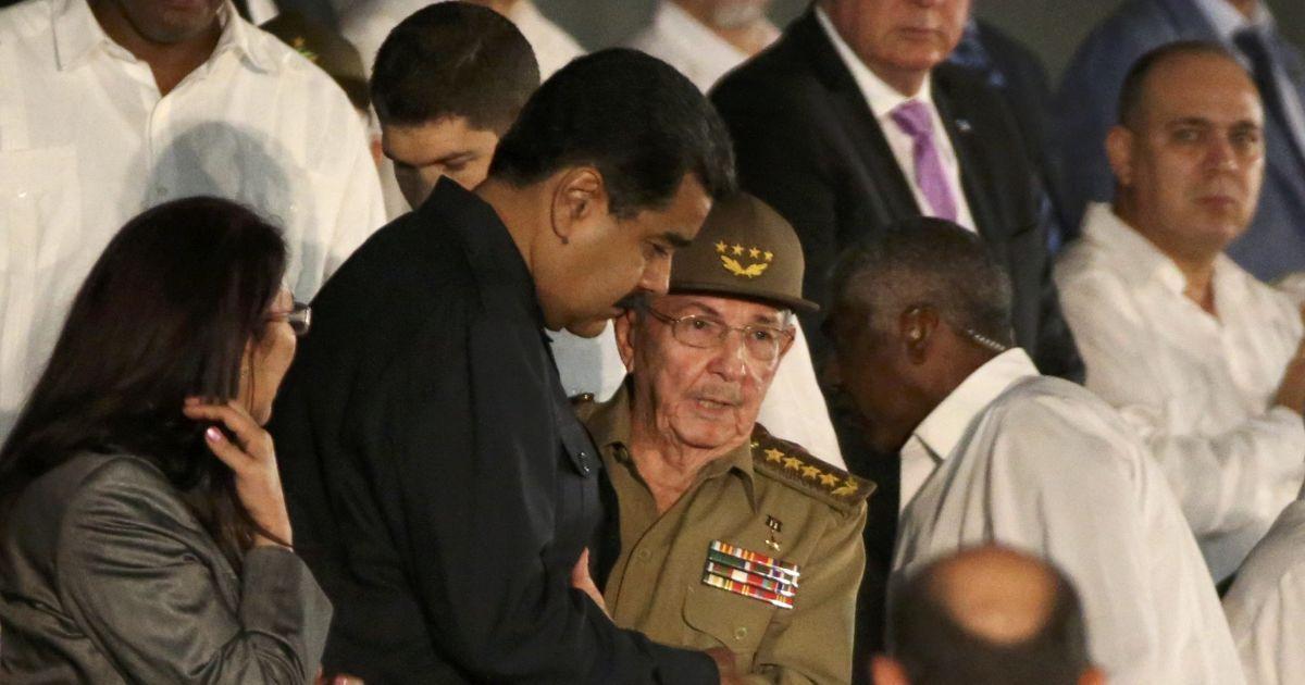 Президент Венесуели Мадуро та Рауль Кастро @ Reuters