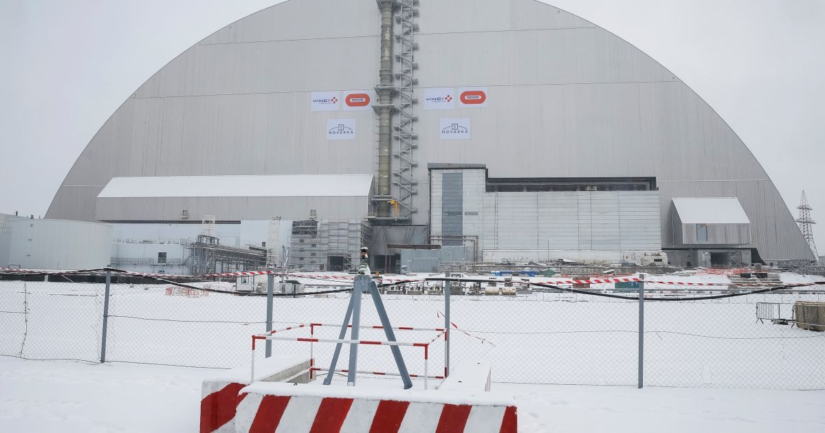 Накриття над саркофагом 4-го реактора ЧАЕС @ Reuters