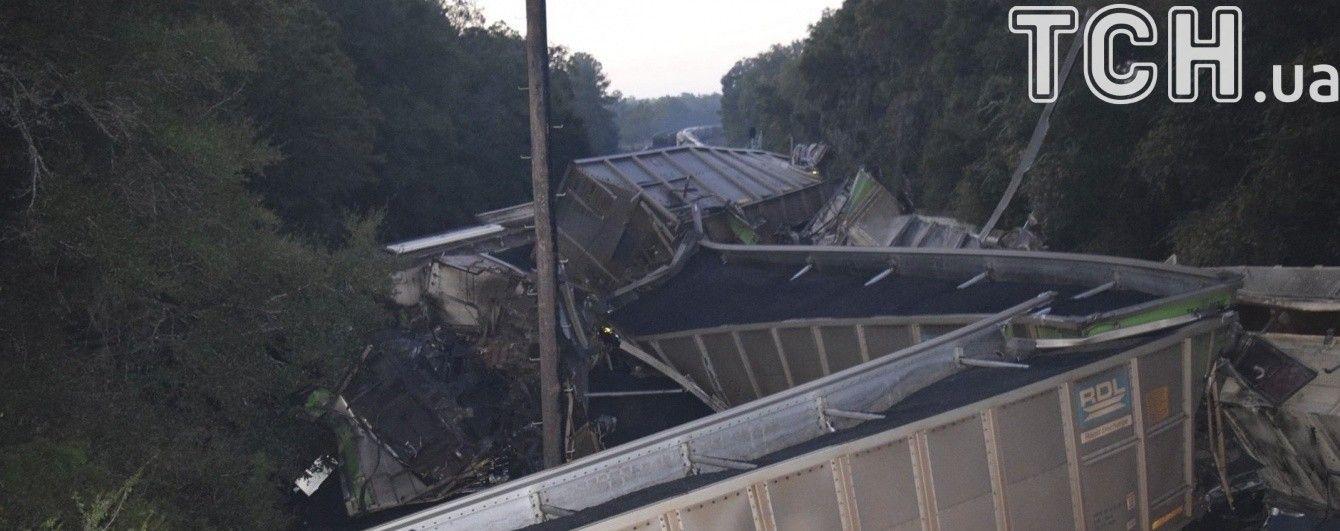 В России сошел с рельсов грузовой поезд военного склада