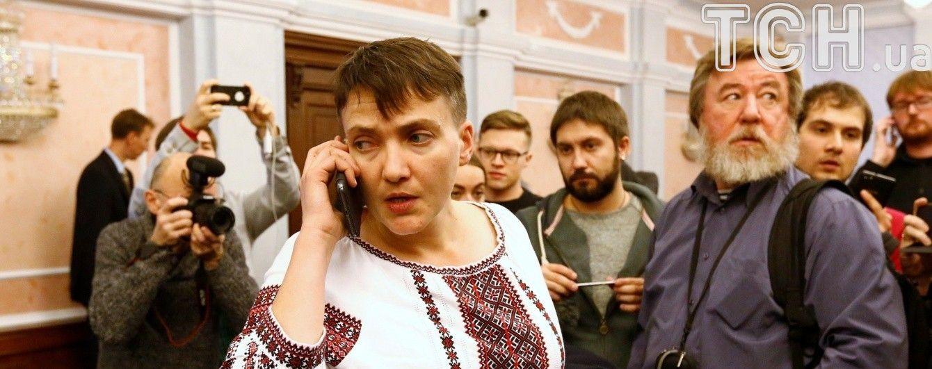 """Савченко зустрілася з """"сепаратистом"""", щоб обговорити відкриття в Києві посольства """"ЛДНР"""""""
