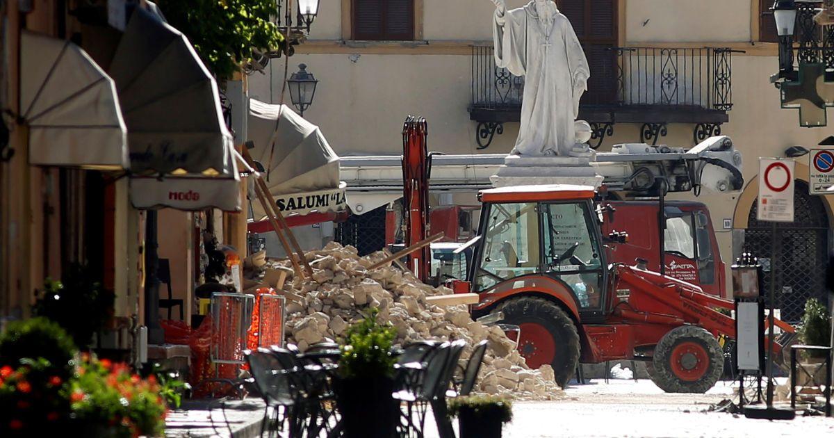 Наслідки землетрусу в місті Норчія @ Reuters