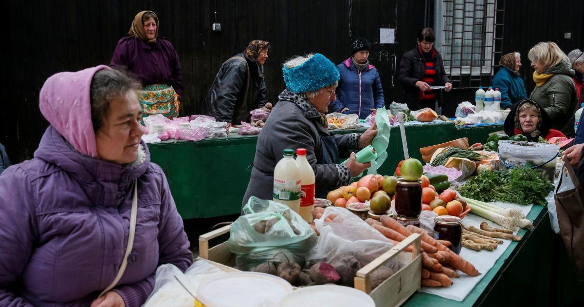 Після Великодня базари спорожніли, а ціни на продукти поповзли донизу