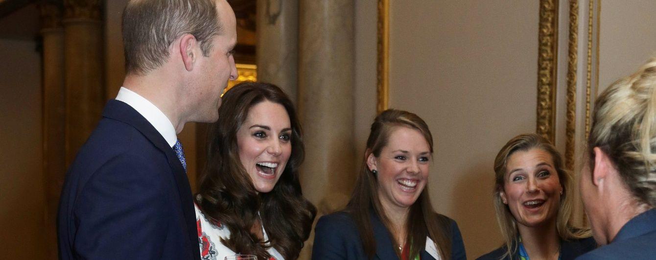 Герцогиня Кембриджская надела на встречу с олимпийцами платье от Alexander McQueen за 3200 долларов