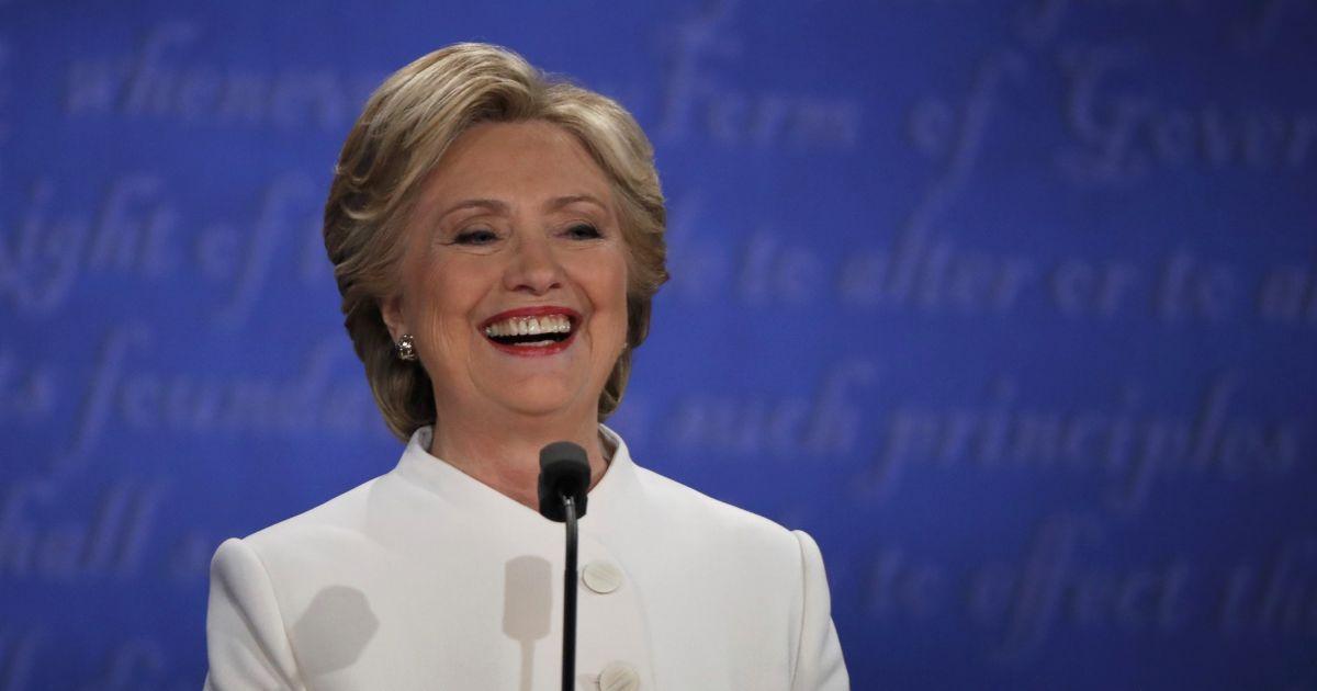 За Клінтон готові віддати свої голоси 44% американських виборців - опитування