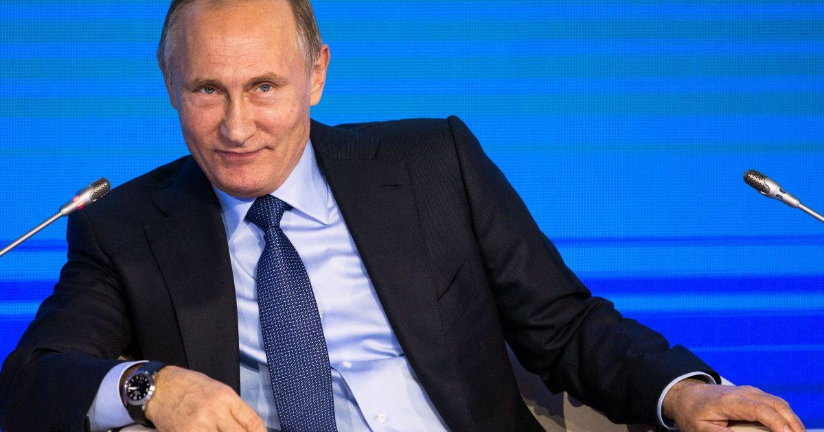 Президентский разговор: Путин обсудил с Трампом отношения РФ и США
