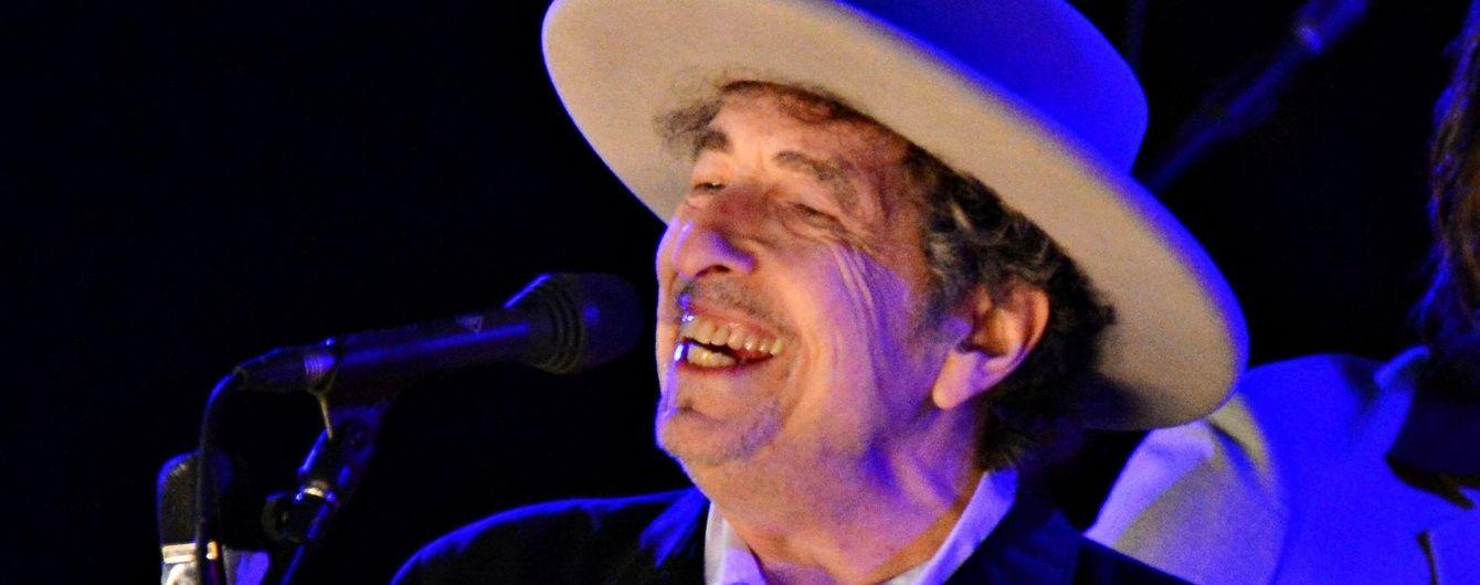 """Литературного """"Нобеля"""" получил американский певец Боб Дилан"""