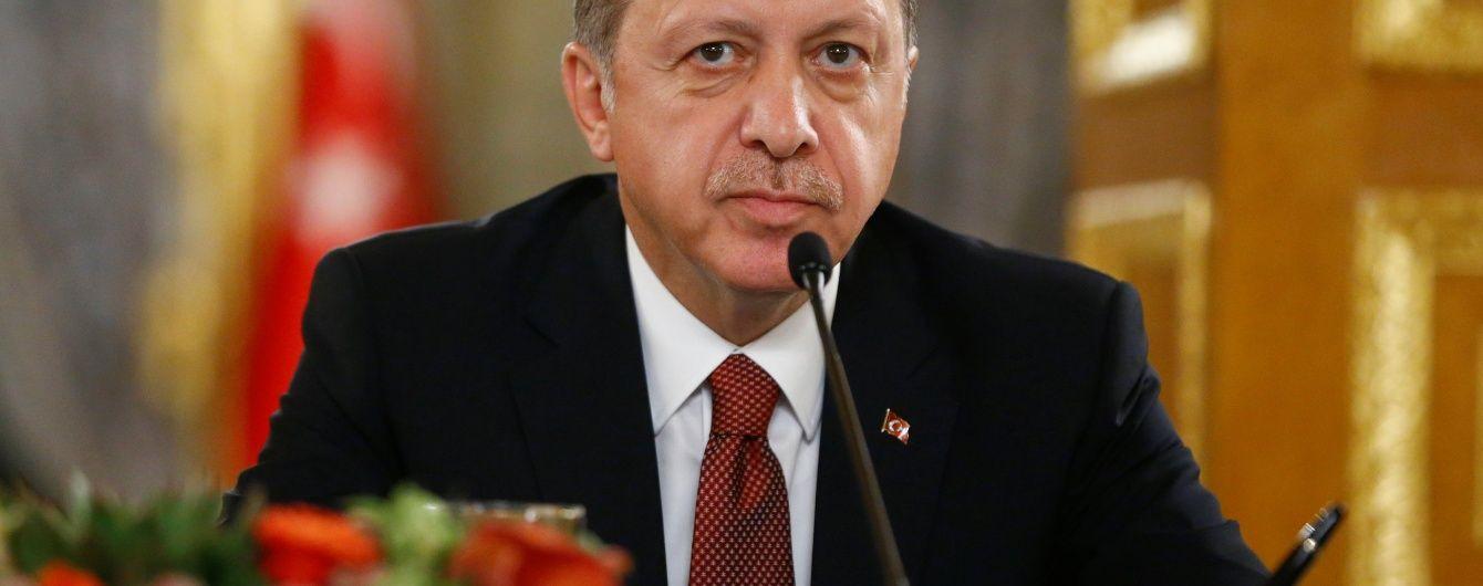 У Туреччині схвалили проект закону до конституції, який розширює повноваження Ердогана
