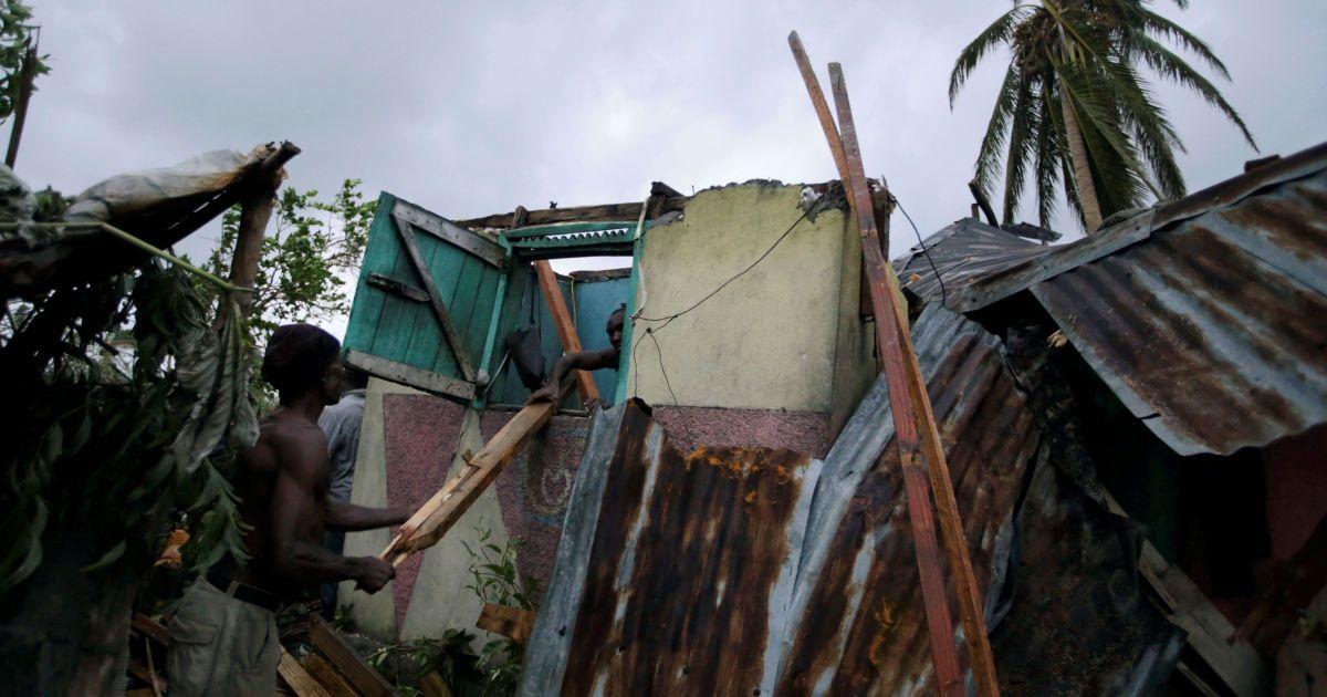"""Наслідки руйнівного урагану """"Метью"""" @ Reuters"""