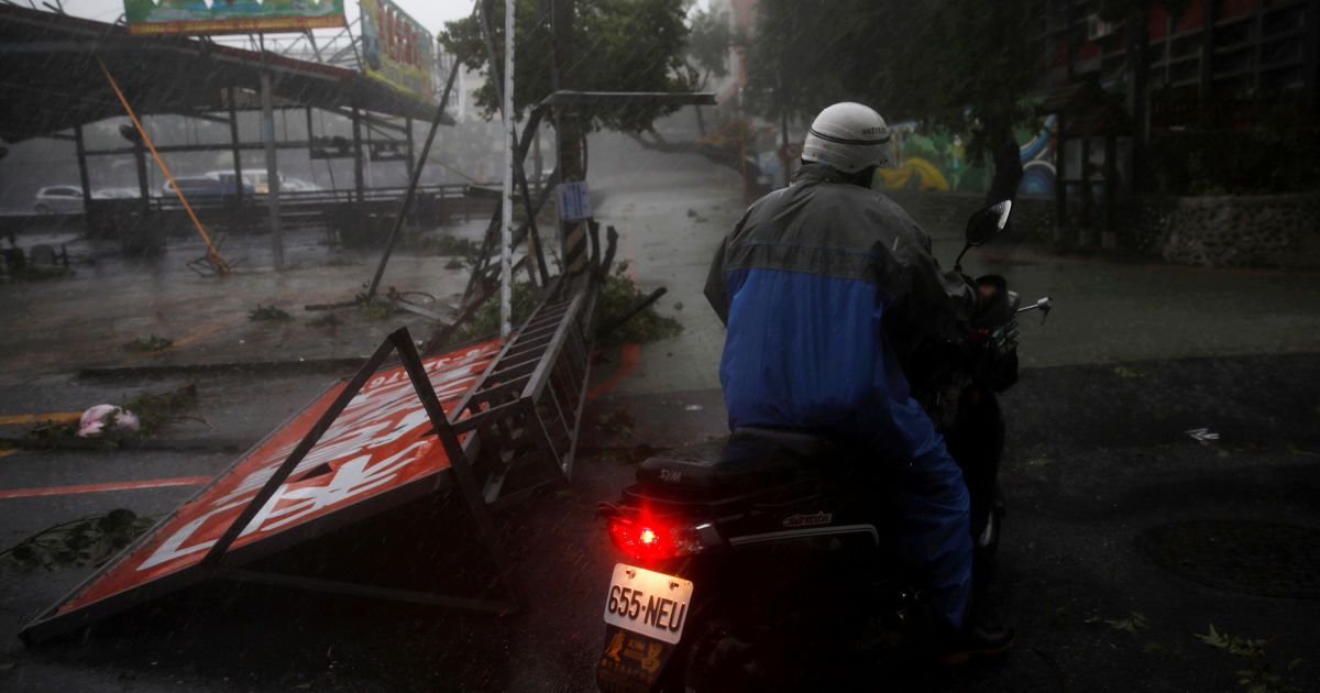 Понад 5 тисяч людей евакуйовано @ Reuters