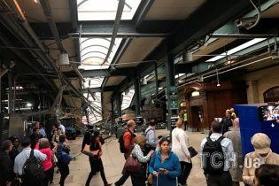 В Нью-Джерси поезд сошел с рельсов и разгромил станцию: трое погибших и более сотни пострадавших