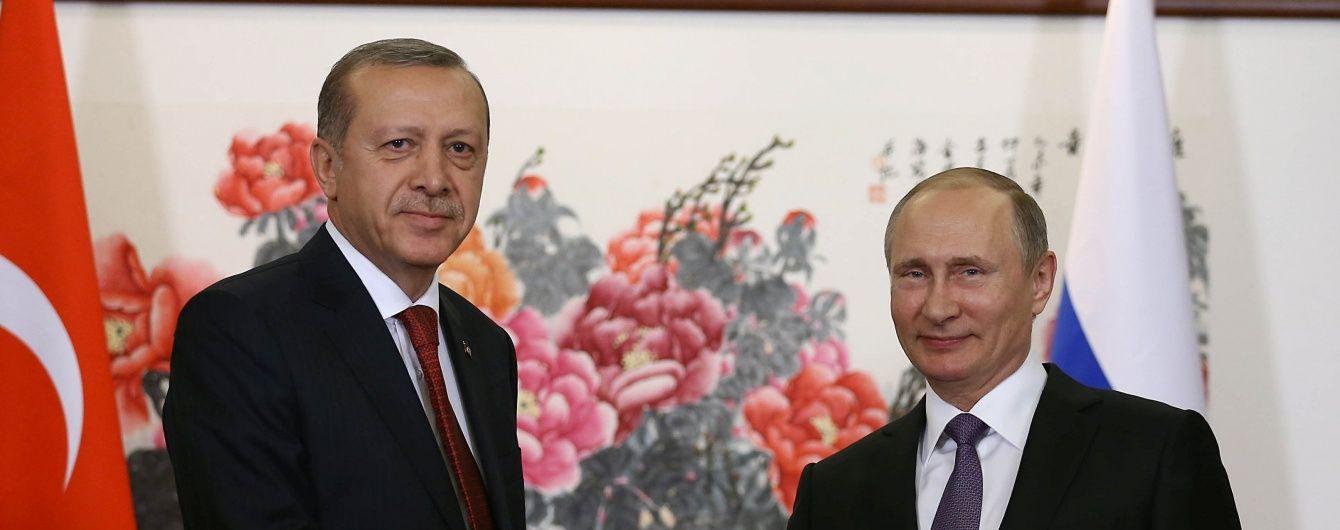 """Ердоган та Путін поговорили про """"певні заходи"""" для відновлення відносин між Туреччиною та Росією"""