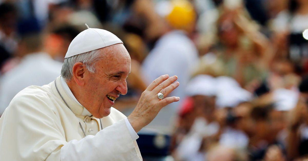 """Папа Римский прибыл на """"святую землю"""" в Грузию"""