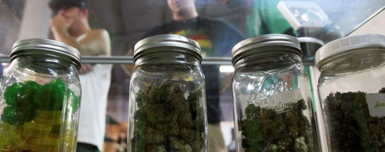 У Сумах поліція провела масову облаву на студентів-іноземців, які приторговували марихуаною