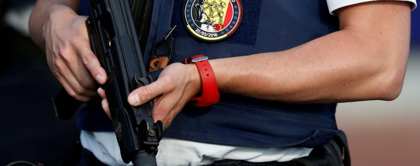 У Брюсселі невідомий з ножем взяв у заручники 15 осіб