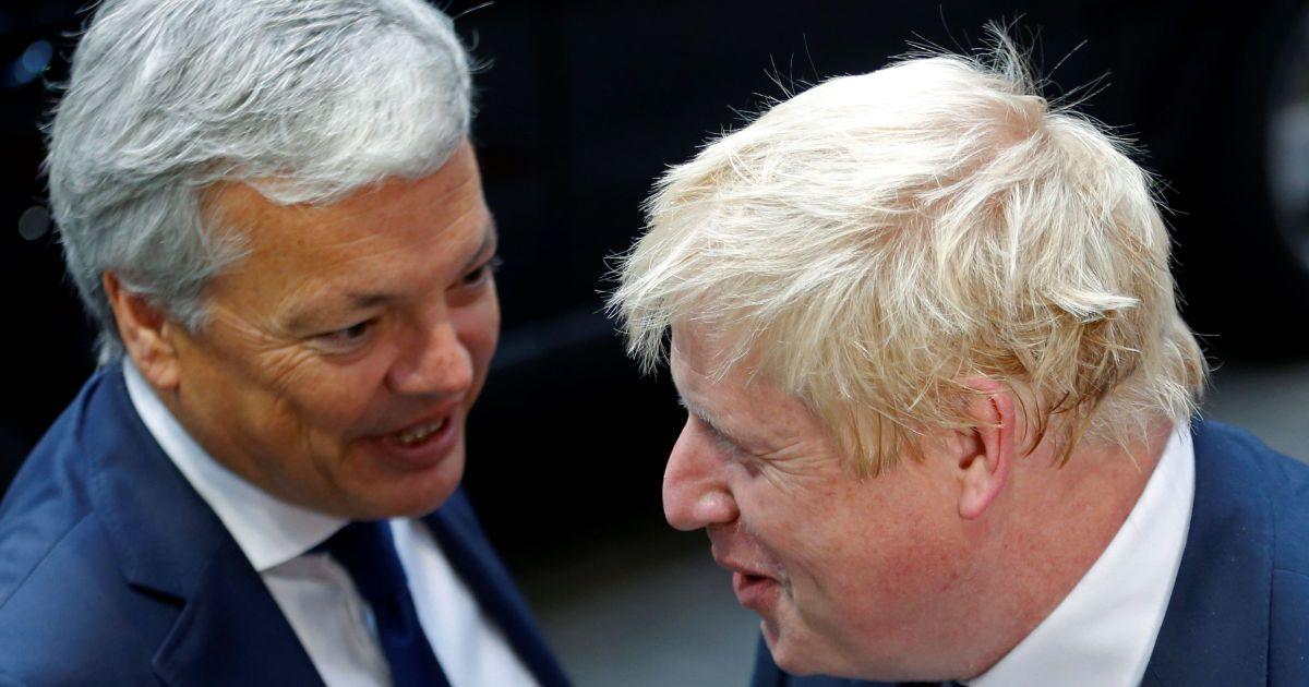 Джонсон розмовляє з його бельгійським колегою Рейндерсом