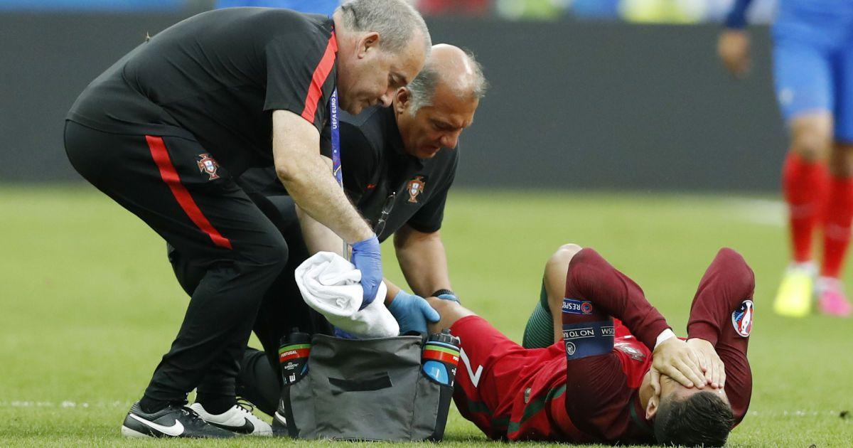 Роналду травмувався під час фіналу Євро-2016. @ Reuters