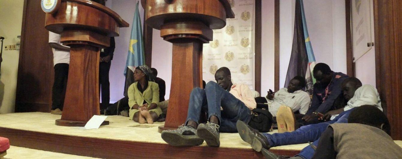 Кількість загиблих в результаті перестрілки в Південному Судані досягла майже трьох сотень - Reuters