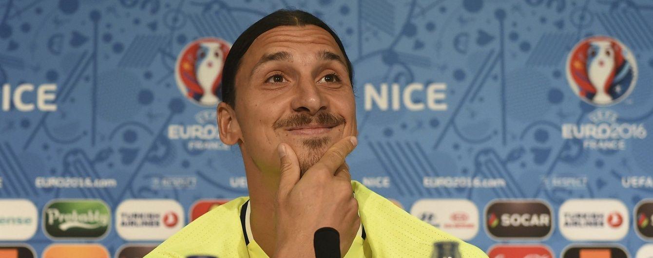 """Официально. Ибрагимович продолжит карьеру в """"Манчестер Юнайтед"""""""