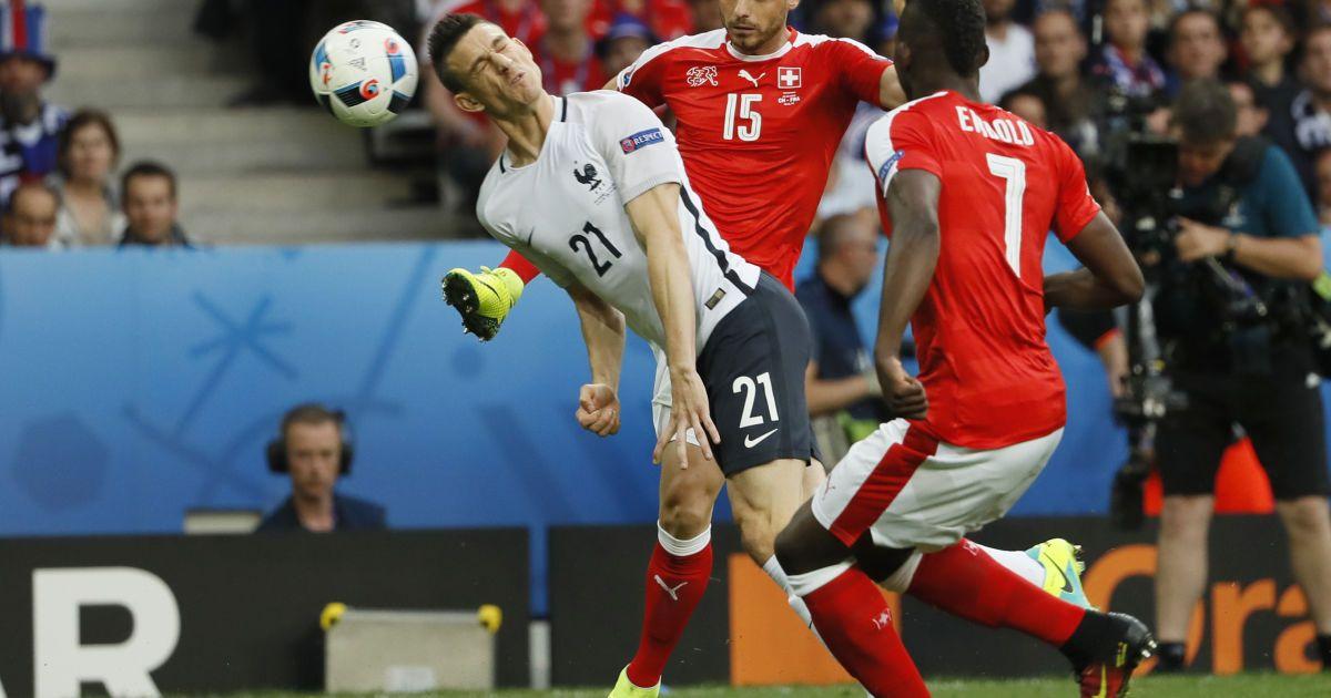 19 червня. Група А. 3 тур. Швейцарія - Франція - 0:0 @ Reuters
