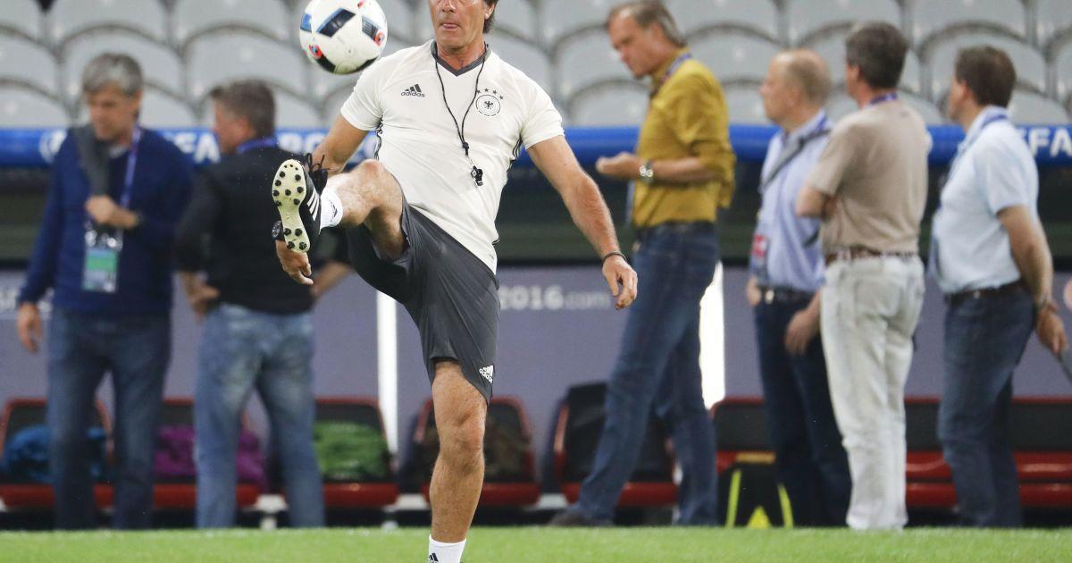"""Тренування збірної Німеччини на """"П'єр Моруа"""" у Ліллі. @ Reuters"""