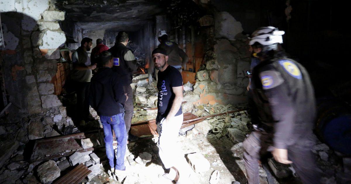 Наслідки авіаударів по сирійському місту Ідліб.