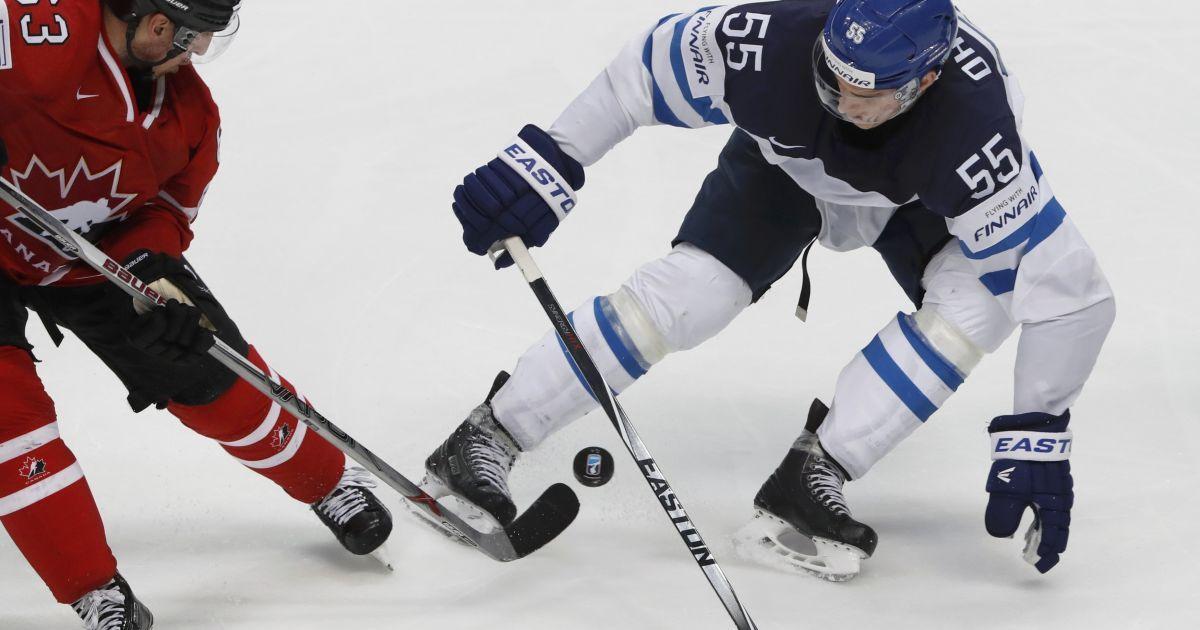 Збірна Канади з хокею стала чемпіоном світу, перемігши команду Фінляндії. 22 травня, Москва. @ Reuters