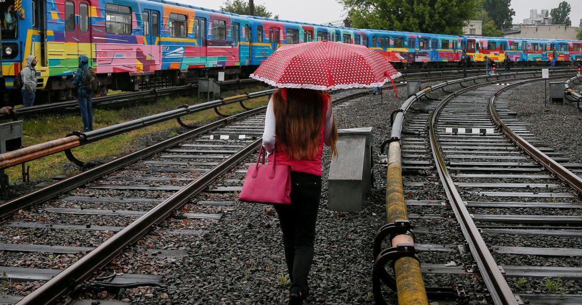 Поезд будет курсировать на красной ветке @ Reuters