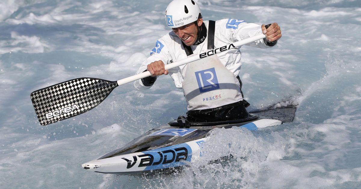 Лідер британської олімпійської збірної з греблі на каное Девід Флоренс під час тренування перед майбутніми Олімпійськими іграми в Ріо-де-Жанейро. @ Reuters