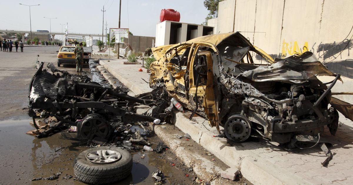 В Багдаде взорвался заминированный автомобиль, 14 человек погибло