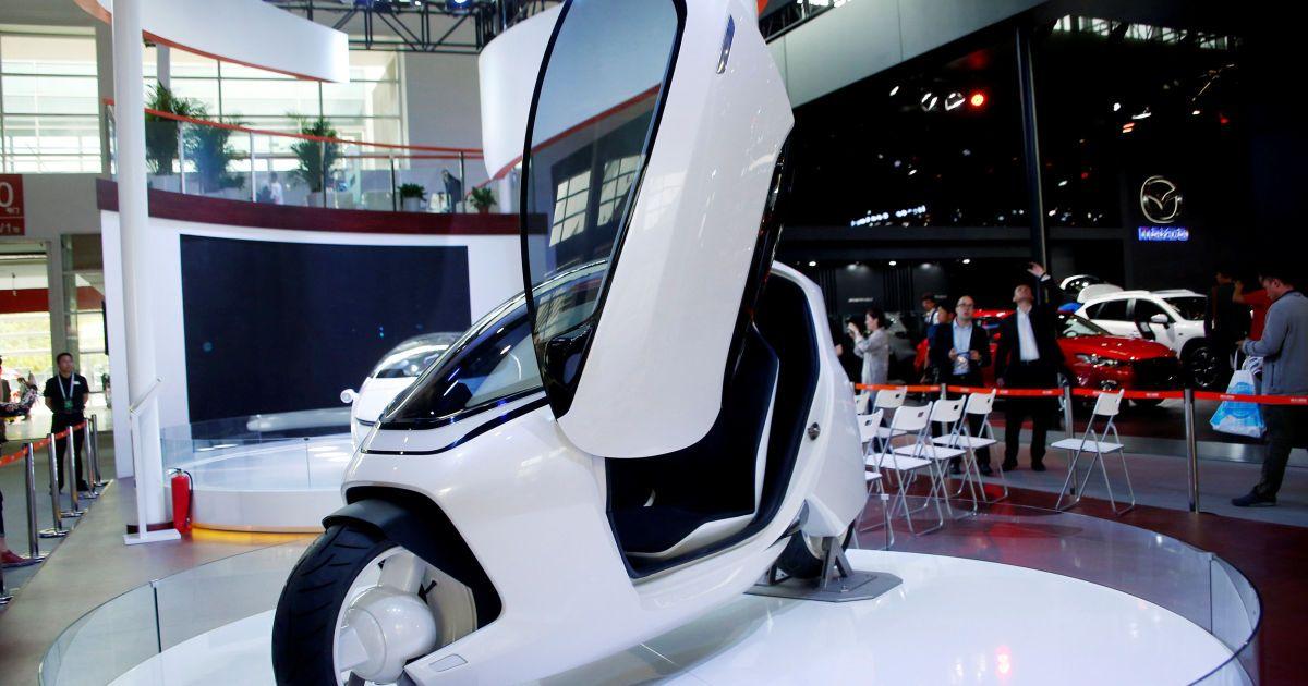 Концептуальний одномісний автомобіль Luxgen Motors під час шоу Auto China 2016 у Пекіні, Китай. @ Reuters