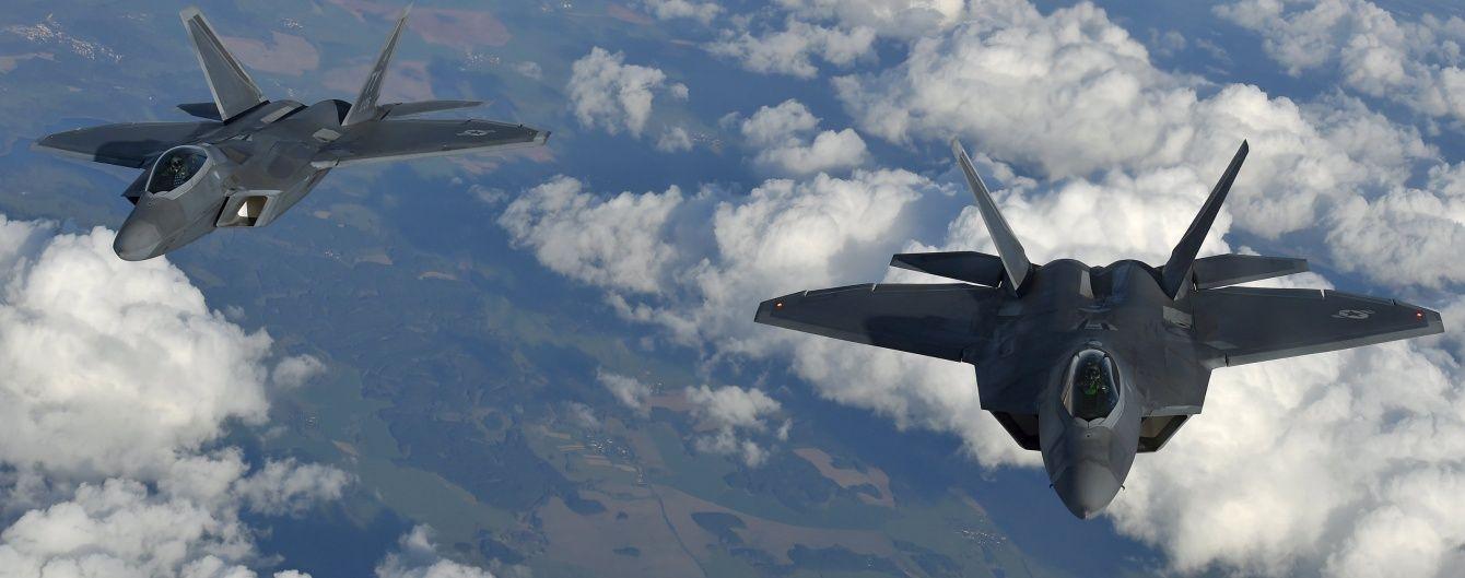 Не прошмигнули: американські винищувачі знову перехопили російські бомбардувальники біля Аляски