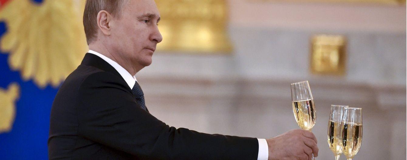Остання крапля Кремля. Керівники РБК звільнилися після матеріалу про президентські устриці - Reuters