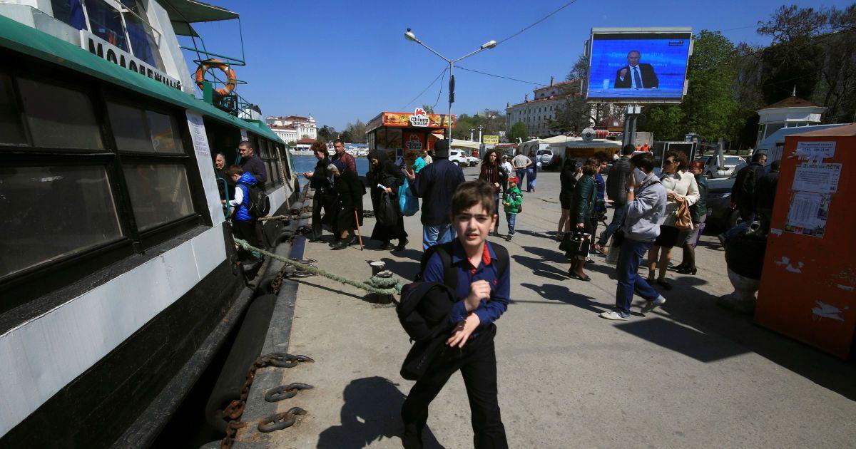 """В окупованому Криму хочуть створити """"військовий Артек"""" для підготовки дітей"""