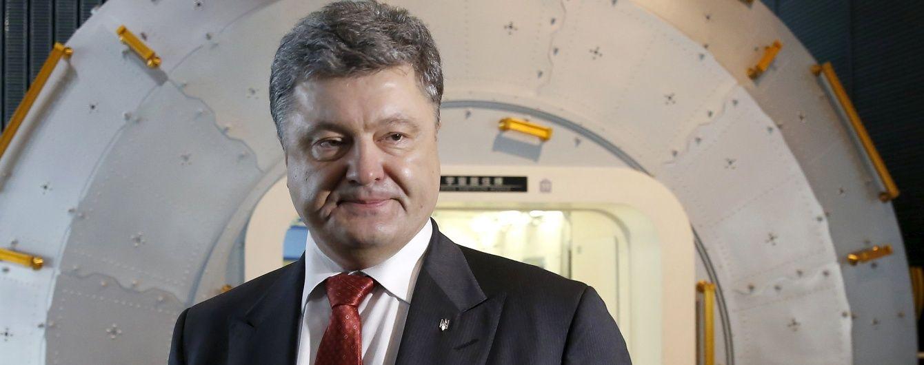 Порошенко закликав Меркель пришвидшити запровадження поліцейської місії ОБСЄ на Донбасі