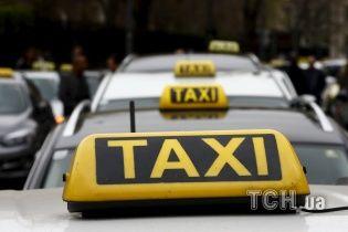 В ЮАР неизвестные расстреляли микроавтобус с таксистами, которые ехали с похорон: погибли 11 человек