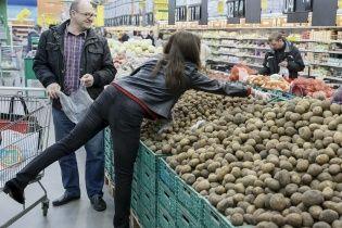 Цены на овощи и продукты в украинских супермаркетах снова выросли – эксперт