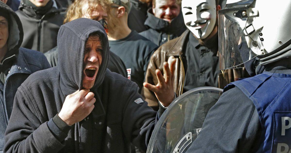 Футбольні хулігани влаштували безлади у центрі Брюсселю.