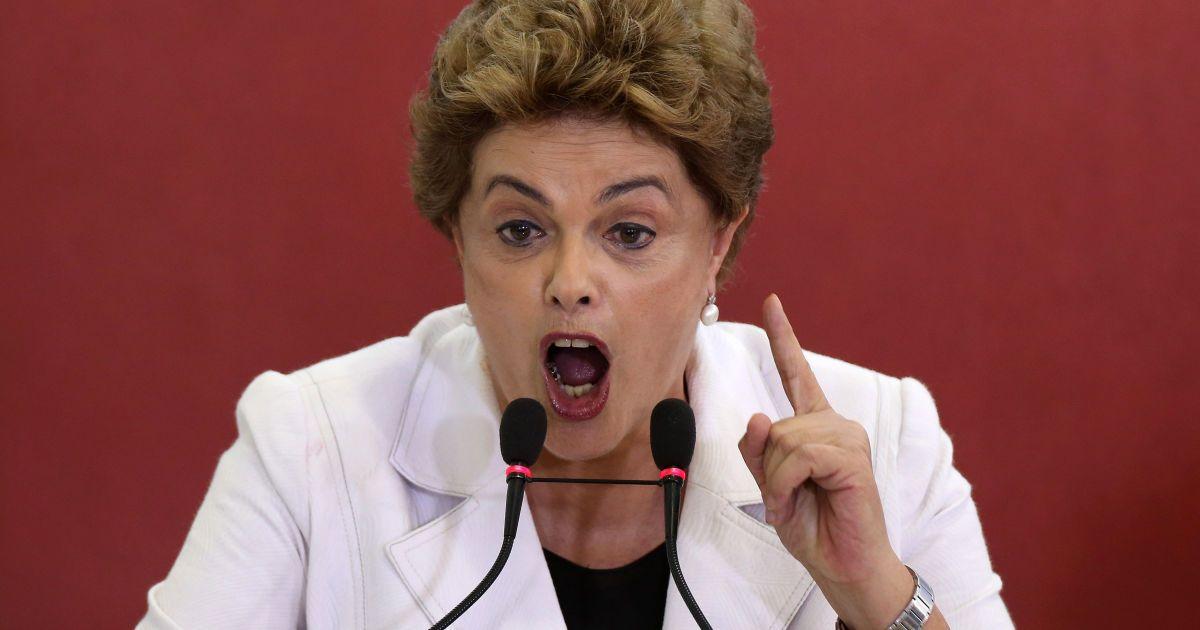 Президент Бразилії Ділма Руссефф оголошує третій транш державної програми житлового будівництва у Палаці Планалту, Бразиліа. @ Reuters