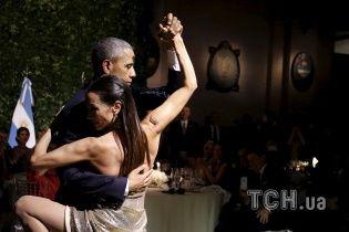 Обама станцевал страстное танго в Аргентине