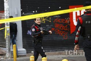 В Интернете появилось видео с места теракта в центре Стамбула