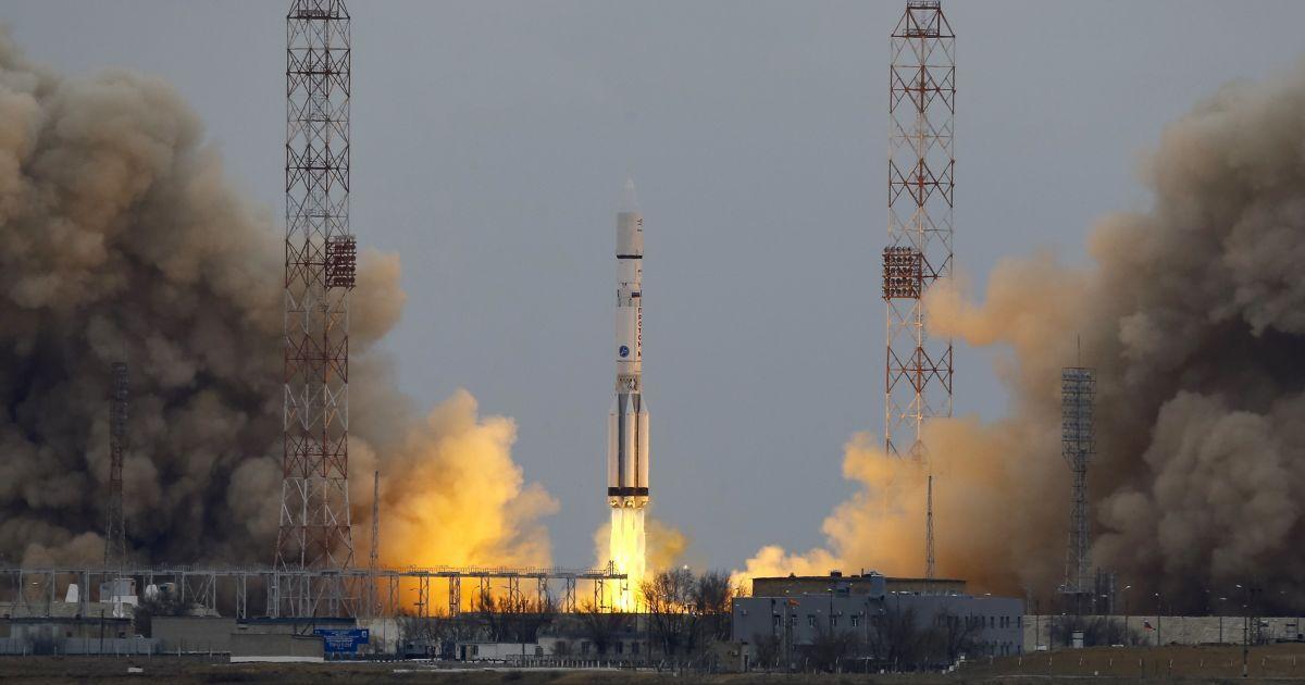 Ракета Протон-М, яка несе на Марс космічний апарат ExoMars-2016, стартує з космодрому Байконур, Казахстан. @ Reuters