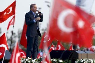Эрдоган пригрозил Берлину ухудшением отношений из-за возможного признания геноцида армян